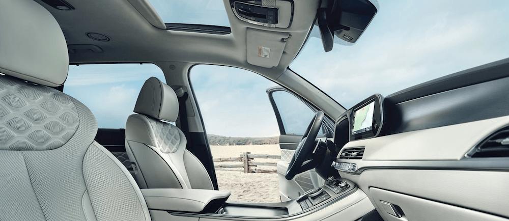 2020 Hyunda Palisade interior seating and dashboard