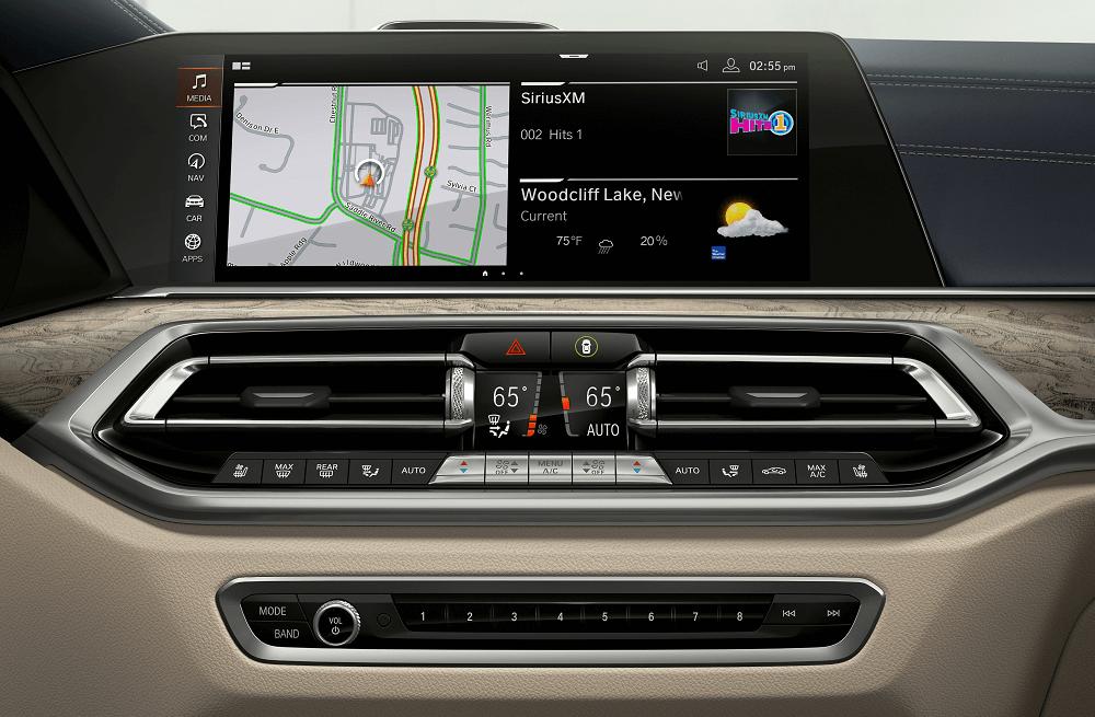 BMW X7 Technology