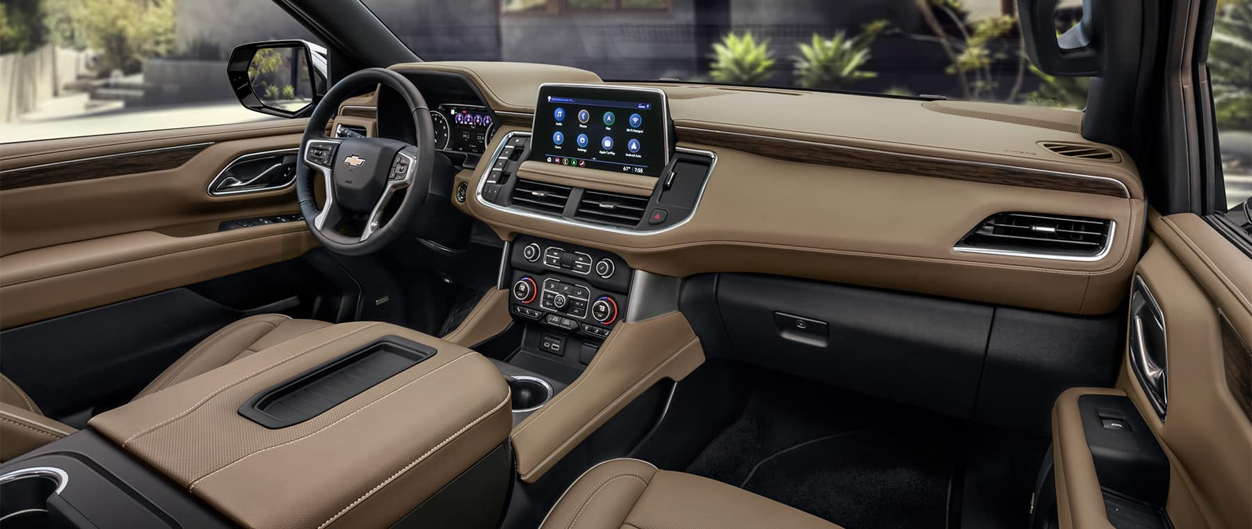 2021 Chevrolet Suburban interior dash board