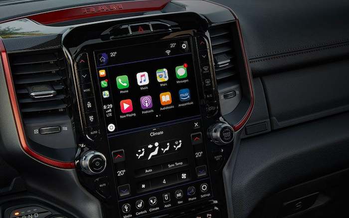 Apple CarPlay in RAM 1500