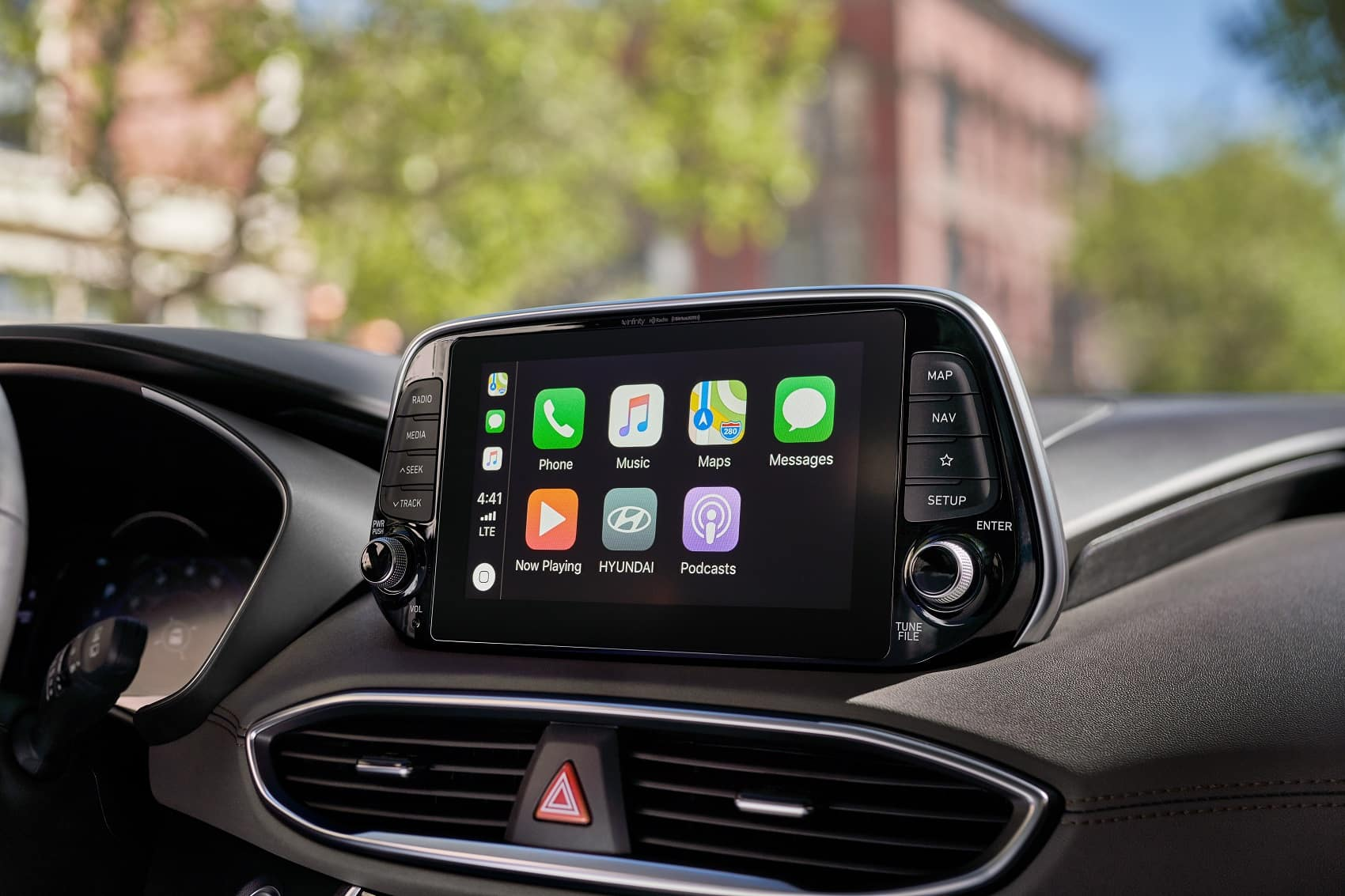Hyundai Santa Fe Interior with Apple CarPlay Technology