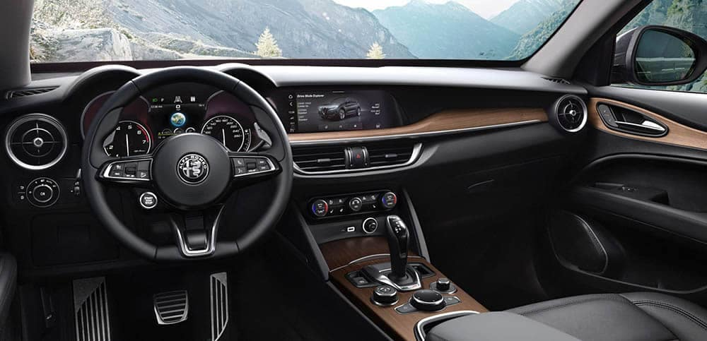 2020 Alfa Romeo Stelvio Dash