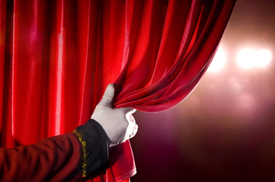 red curtain theater show